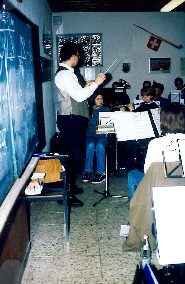 http://www.musikverein-kohlberg.de/pixlie/cache/vs_%20%20Archiv_probe_1991_1.jpg