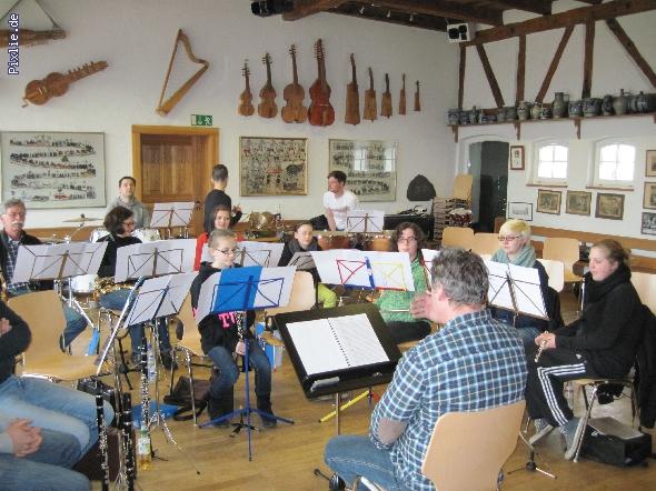 http://www.musikverein-kohlberg.de/pixlie/cache/vs_2013_03_Probewochenende_2_Probenwochenende_2013.JPG