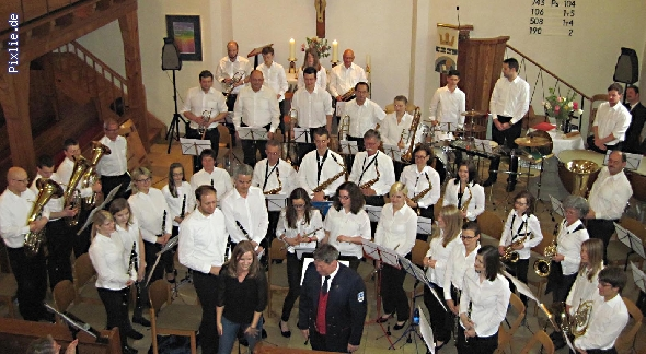http://www.musikverein-kohlberg.de/pixlie/cache/vs_2013_04_Kirchenkonzert_MV-Kohlberg_Konzert-in-der-Kirche_2013_01_kleiner.jpg