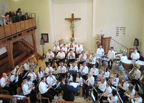 http://www.musikverein-kohlberg.de/pixlie/cache/vs_2013_04_Kirchenkonzert_MV-Kohlberg_Konzert-in-der-Kirche_2013_04_kleiner.jpg