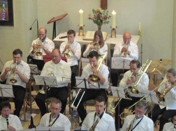 http://www.musikverein-kohlberg.de/pixlie/cache/vs_2013_04_Kirchenkonzert_MV-Kohlberg_Konzert-in-der-Kirche_2013_05_kleiner.jpg